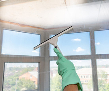 Keller Cleaning Windows Glass Cleaning